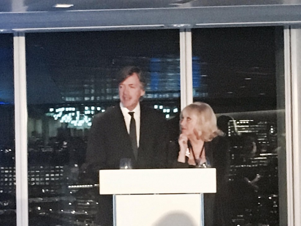 Richard & Judy discuss reading in bed.